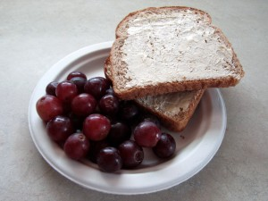 Grapes with toast